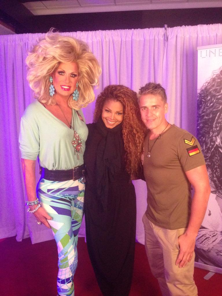 Thank you @JanetJackson for years of friendship & your generosity. We are #UnbreakableWorldTour #unbreakablemiami