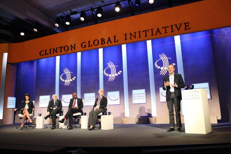 Moments ago @clintonglobal, @GapInc CEO Art Peck announced our commitment to expand #pace to 1 million women by 2020.