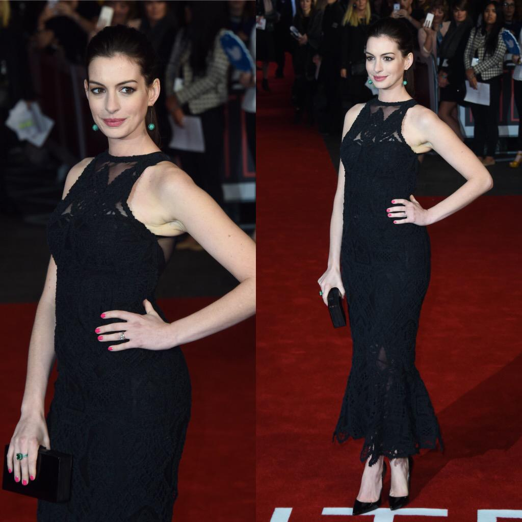 "Etalk On Twitter: ""Anne Hathaway Walks The Red Carpet At"