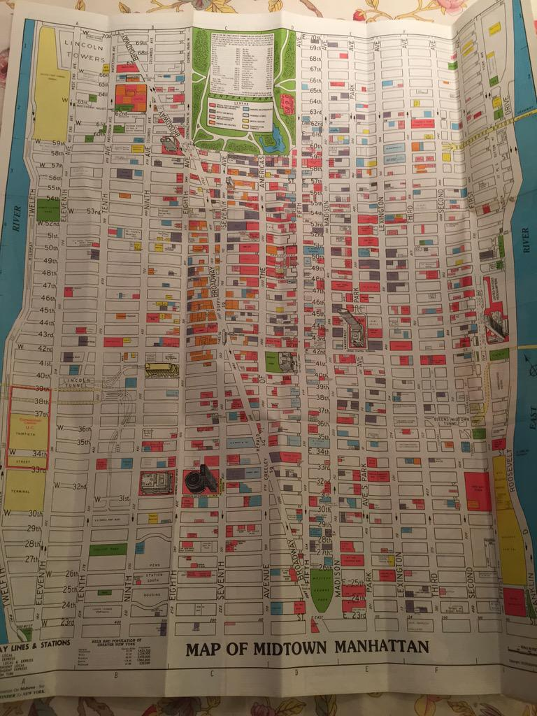 Found an old NYC map from 1980 in the family hoard. Crazy colours but makes it seem like the streets were empty. http://t.co/1UQu7aRvCb