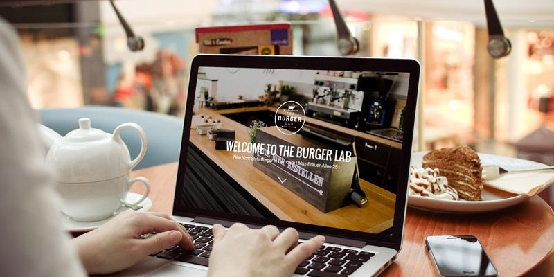 Parallax in Web Design: Introduction, Implementation and 7 Standout Parallax Websites: http://t.co/uZ8W5hpZ4H http://t.co/n4gLmn3lxq