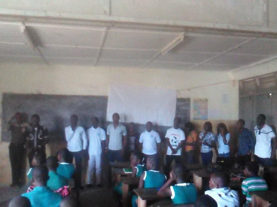 RG-UCC #teachingcomputerbasics at Duakro #NVDay2015 #Capecoast http://t.co/Yme3KyP559