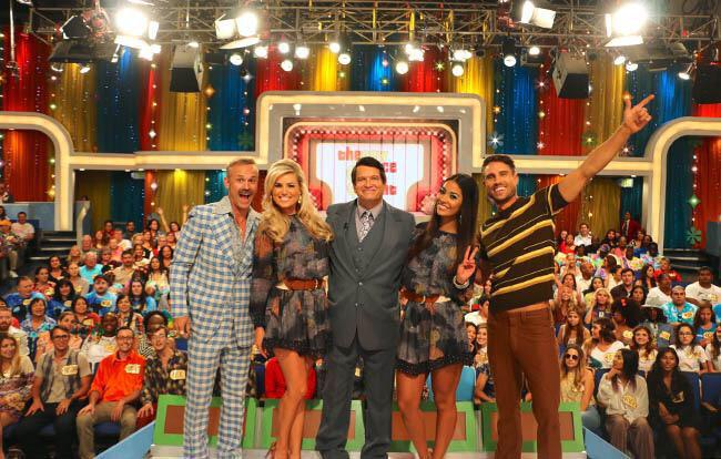 It's here! New #season44 premiere of @PriceIsRight starts today!!! Who's watching with me? #DecadesWeek #70s http://t.co/bAXkSKLTI3