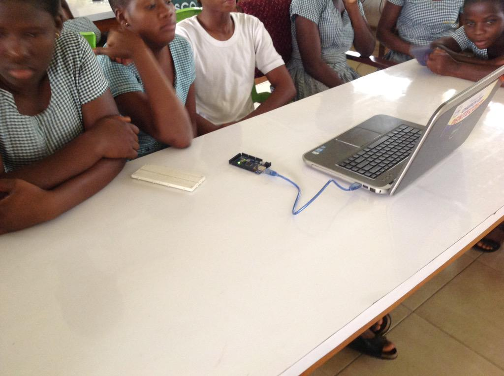 #girlswhocode #arduinotech @ #tarkwa shs via @cg_umat on National Volunteer Day. #NVDay15 @rasheedayehuza @MissHorms http://t.co/2rq7dpEqcq