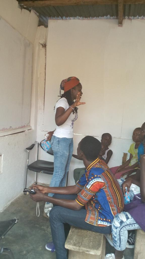 @naa_ameley kicking start the mentoring talks @volunteeringh @Andrewtetteh7 #NVDay15 http://t.co/HoNdqvN5h5
