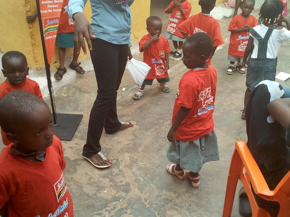 Kids love Indomie Indomie loves kids I love kids Kids love me #NVDay15  @volunteeringh  @naa_ameley  @Andrewtetteh7 http://t.co/zFRRYYFGMC
