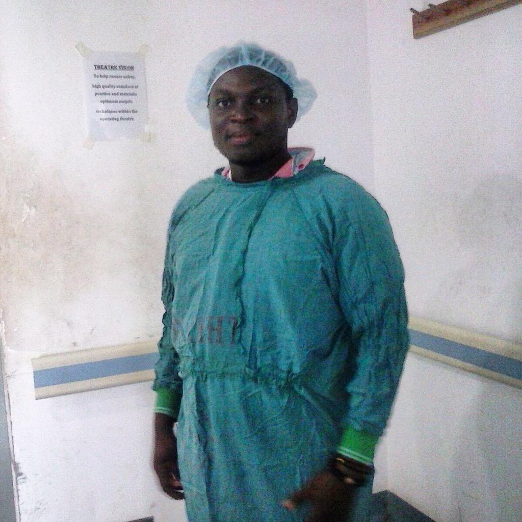 A Rotaractor about to assist in the surgical ward at the Lekma Hospital. #nvday15 http://t.co/ilEWkUS0wE