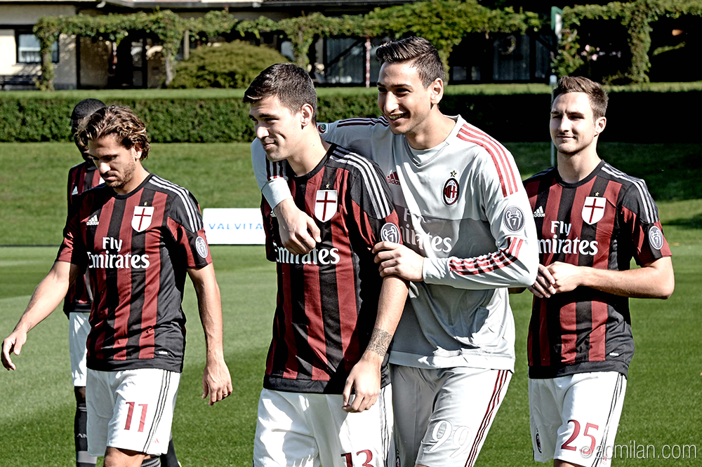 ac milan on twitter check out all the backstage pics from the 2015 16 official team photo. Black Bedroom Furniture Sets. Home Design Ideas
