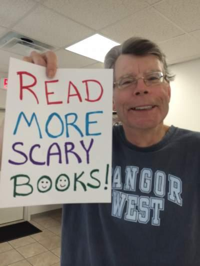 Happy birthday to @StephenKing! http://t.co/lnVLzb93JV