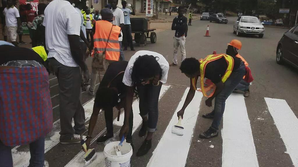Women at work! Well done to all who were involved in #pilolo on National Volunteer day on #Takoradi . #NVDay15 http://t.co/MGVXKiukEx