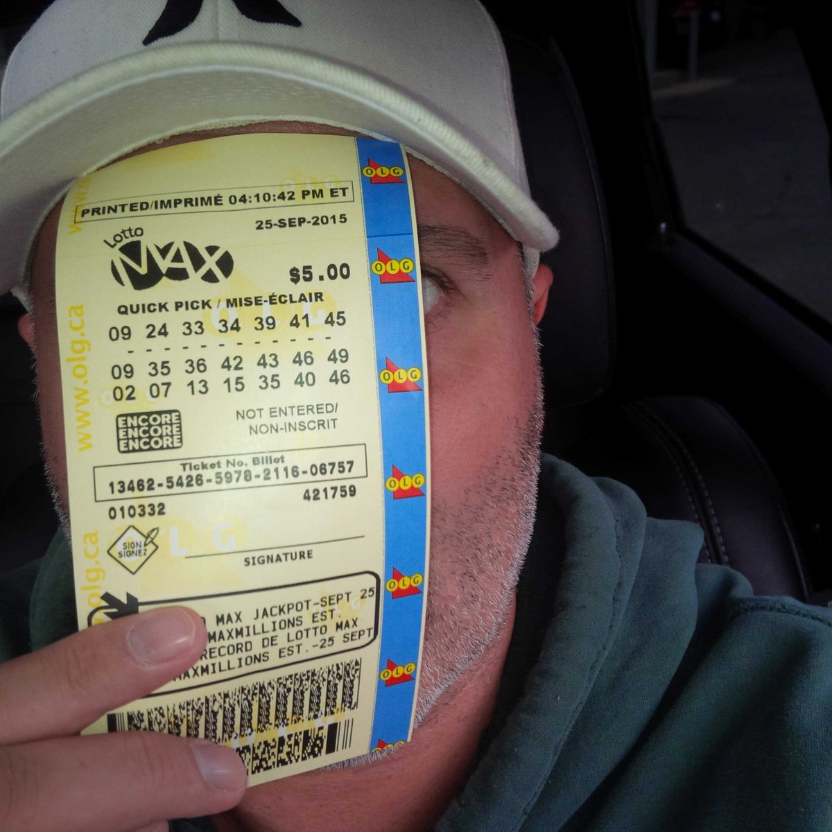 IF this ticket wins the jackpot of $60 million on Friday, I will give HALF to one of you who RT this pic! #Havesies http://t.co/yd7m0aitp7