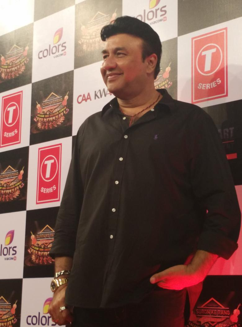 One of the most successful music composers @The_AnuMalik arrives at the #SuronKeRang Red Carpet! @SuronKeRang