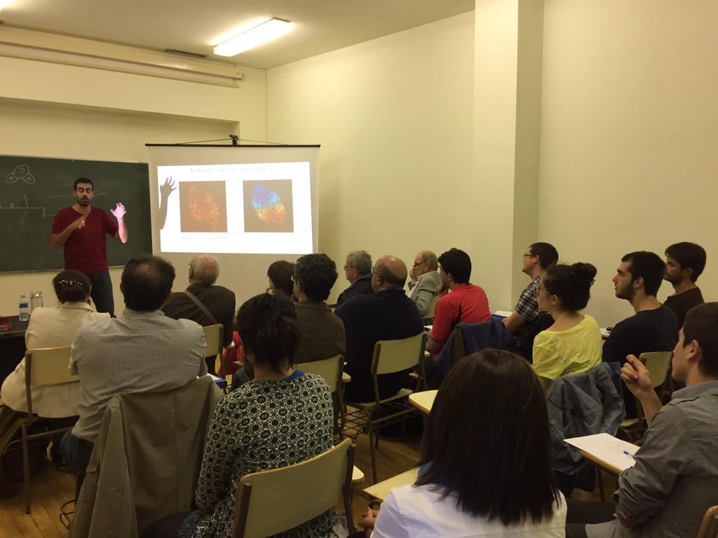 Éxito de asistentes al #cursoradioastronomía @UNavarra http://t.co/PsUHgTX3FB