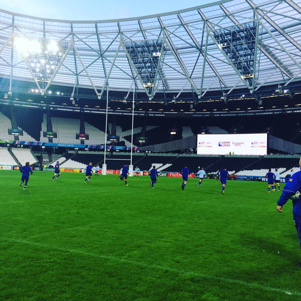 Captain's Run is underway at the Olympic Park. Tomorrow the #Oaks start their #RWC2015 with @FFRugby. #RugbyRomania http://t.co/rNgZxvyT7D
