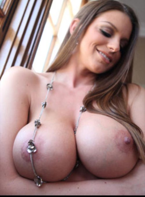 RT! @Brooklyn_Chase's perfect 32G boobs and tell @DogfartNetwork you want @Brooklyn_Chase to be #DogfartGOTM