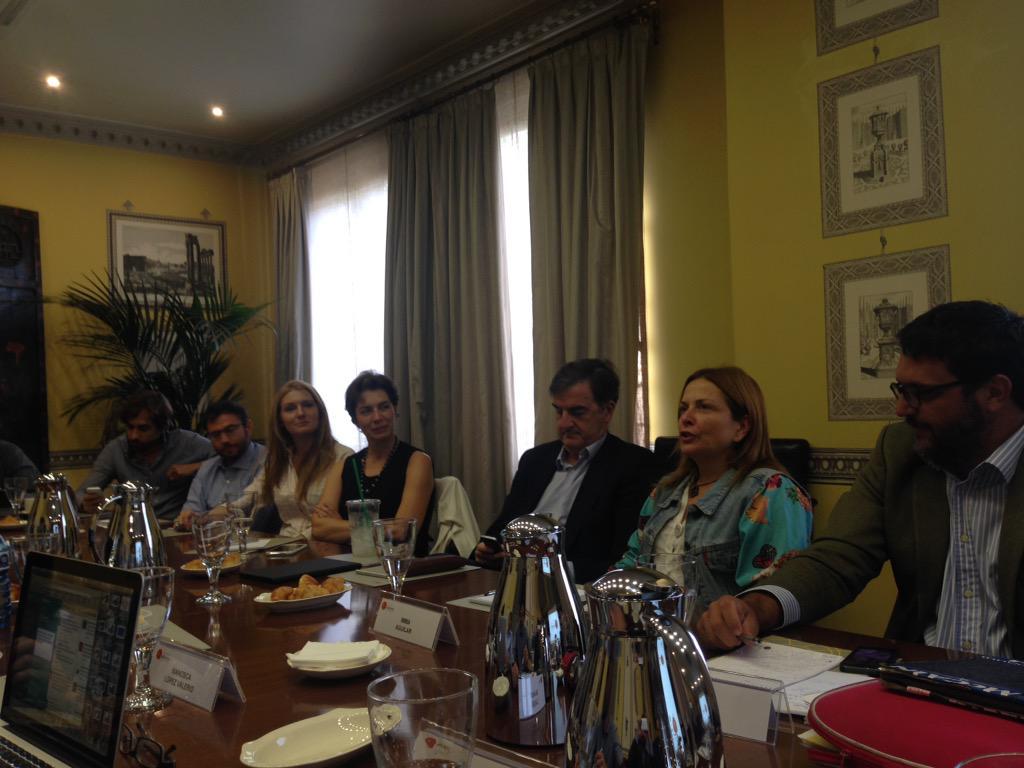 Debate en #ElcanoTalks sobre los intercambios entre cultura y política ¿sería posible un Borgen en Madrid o Bruselas? http://t.co/SKpcHYmDYT