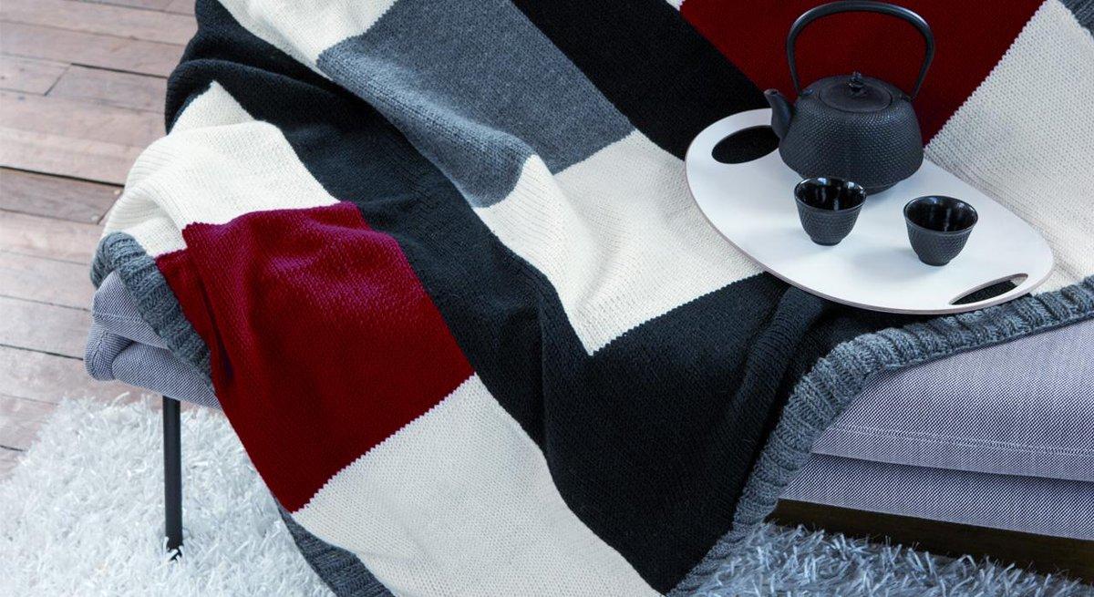 Tous nos modèles de plaids, à coudre ou à tricoter !  => http://t.co/8SFYJYcj9f #DIY http://t.co/6YC36aCIbw