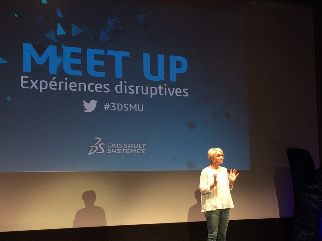 Laurence Barthes introduit la conférence avec l'approche de la #disruption #3DSMU http://t.co/0aB8QfWk0G