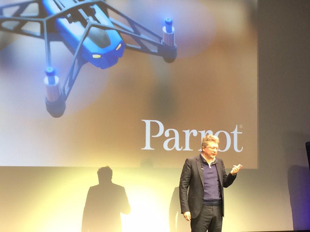 Pas de business plan mais Henri Seydoux crée des start-up dans sa société #3DSMU @Parrot http://t.co/DRL6u0xudo