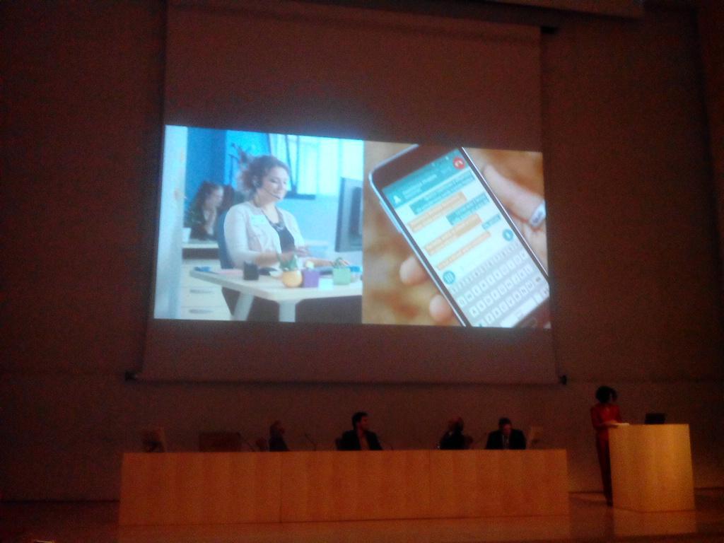 .@PediusCall l'app che permette alle persone non udenti di telefonare, ideata da @dicilorenzo #tecnoais #ties http://t.co/HJuA7Q3veM