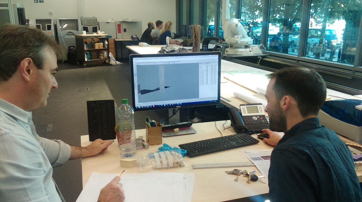 The @uw_Abe team working for #BIM4SMEGiants. Looking forward to seeing final model #buildNYlive http://t.co/holtklwax0