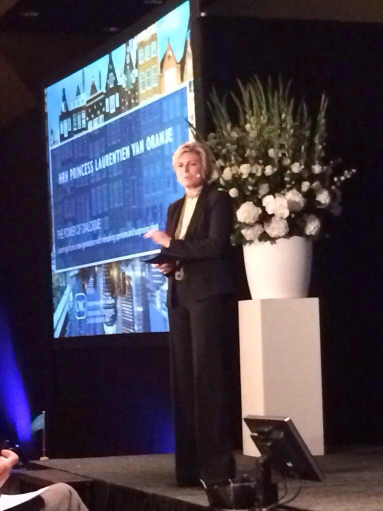 @CMCConference Prinses Lauretine over de waarde kinderraad en dialoog voor bedrijven. Frisse ogen en oren #innovatie http://t.co/UQvR6wDE1a