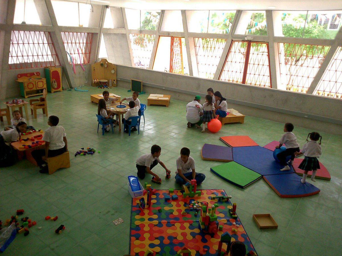 Apertura parque educativo mi yuma thinglink for Silletas para ninos