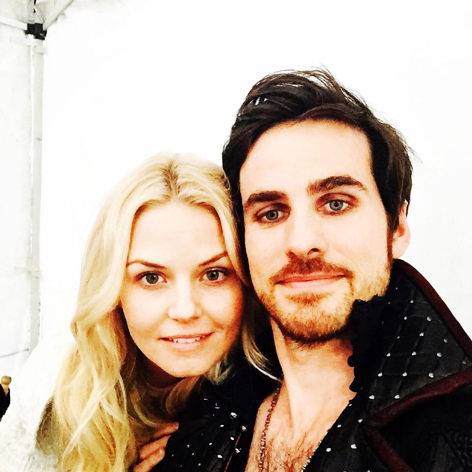 Day 13: captain and the hook adventures #101smiles #uglyducklings #DarkSwans @OnceABC @colinodonoghue1 http://t.co/mRYYO5pgfW