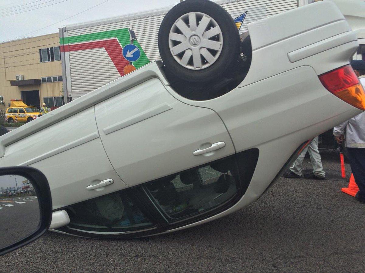 国道41号線、南北で大渋滞中。 小牧インター北の横内西交差点にてこんな事になってます。 通行される方は迂回される事をお勧めします。 http://t.co/xDVisiEmiU