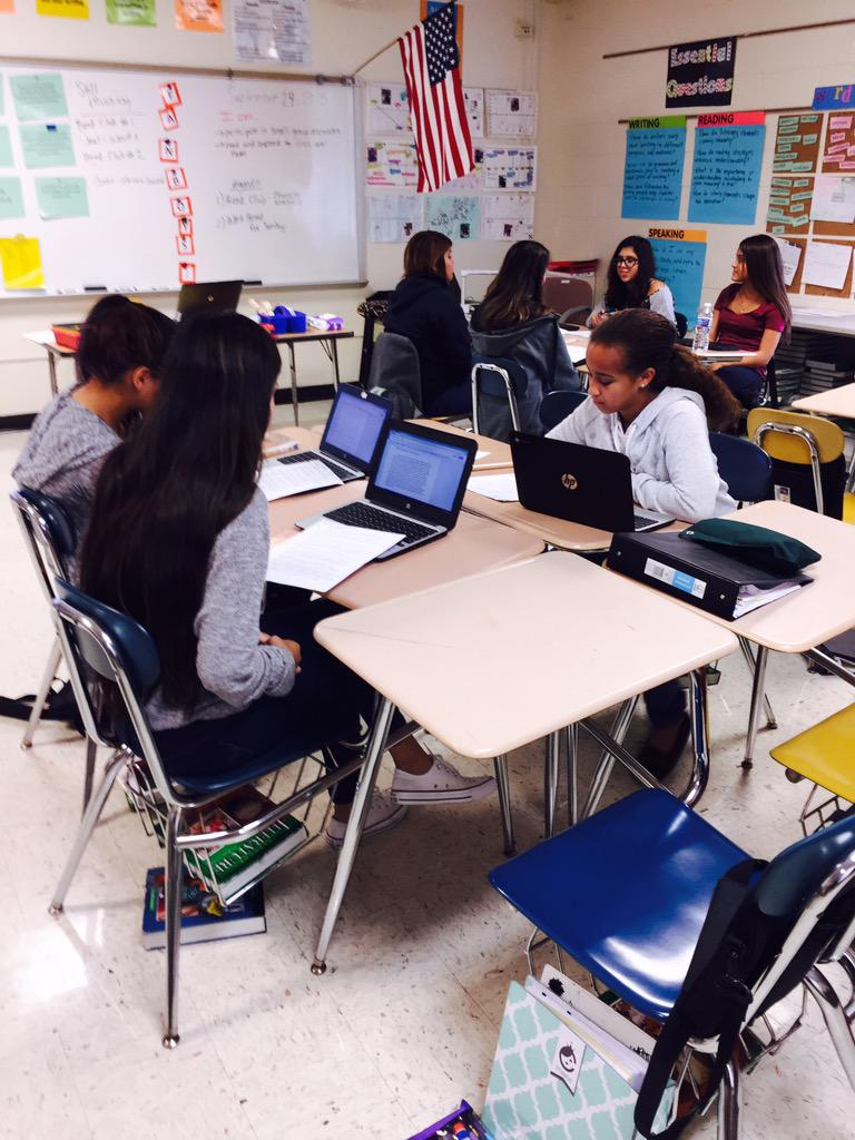 Working in book clubs to discuss Civil War historical fiction novels #wdsd7 http://t.co/8qWOjE97NZ