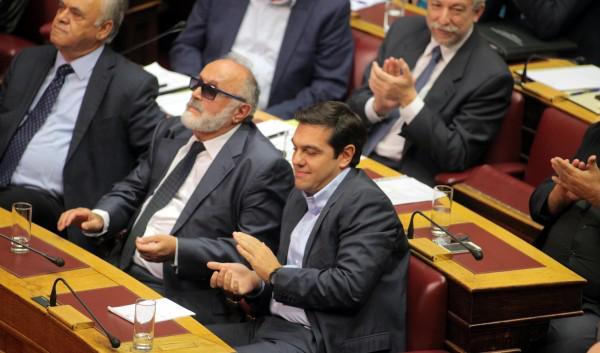 RT @vivrefm Grèce : le nouveau ministre de l'Intérieur de #Tsipras, P. @kouroumplis, aveugle  http://t.co/eQ1vdyqLQn #handicap