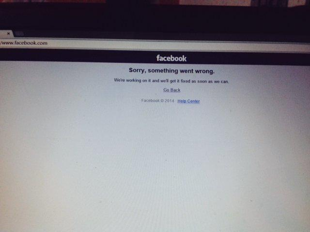 Most famous online book is down. #facebookdown http://t.co/rTnSWmn3eJ