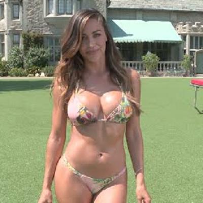 Pretty nude big boob