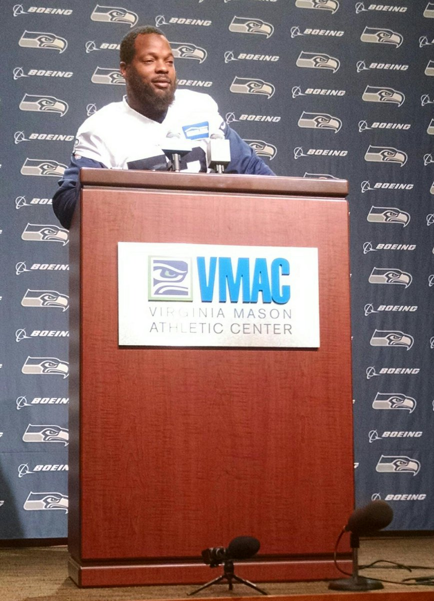 "Michael Bennett opens his press conference by removing bottle and saying ""Gatorade doesn't pay me."" http://t.co/W2isepdQiA"