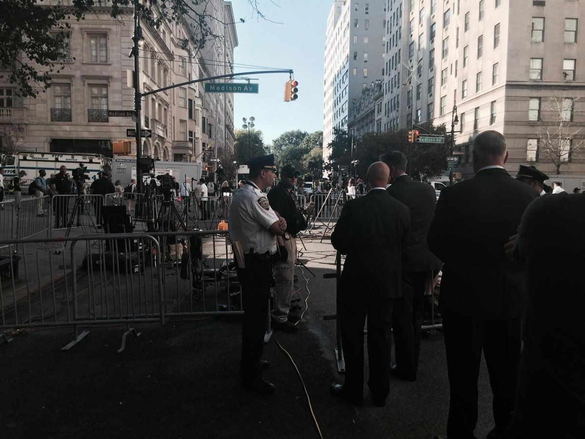 Security sweep of press outside pope residence @FoxNews @Fox5ny http://t.co/hEZ0WJ5Uih