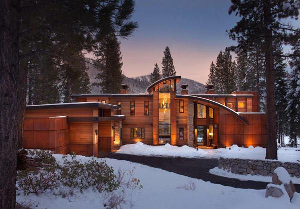 Contemporary retreat near Lake Tahoe: Martis Camp..