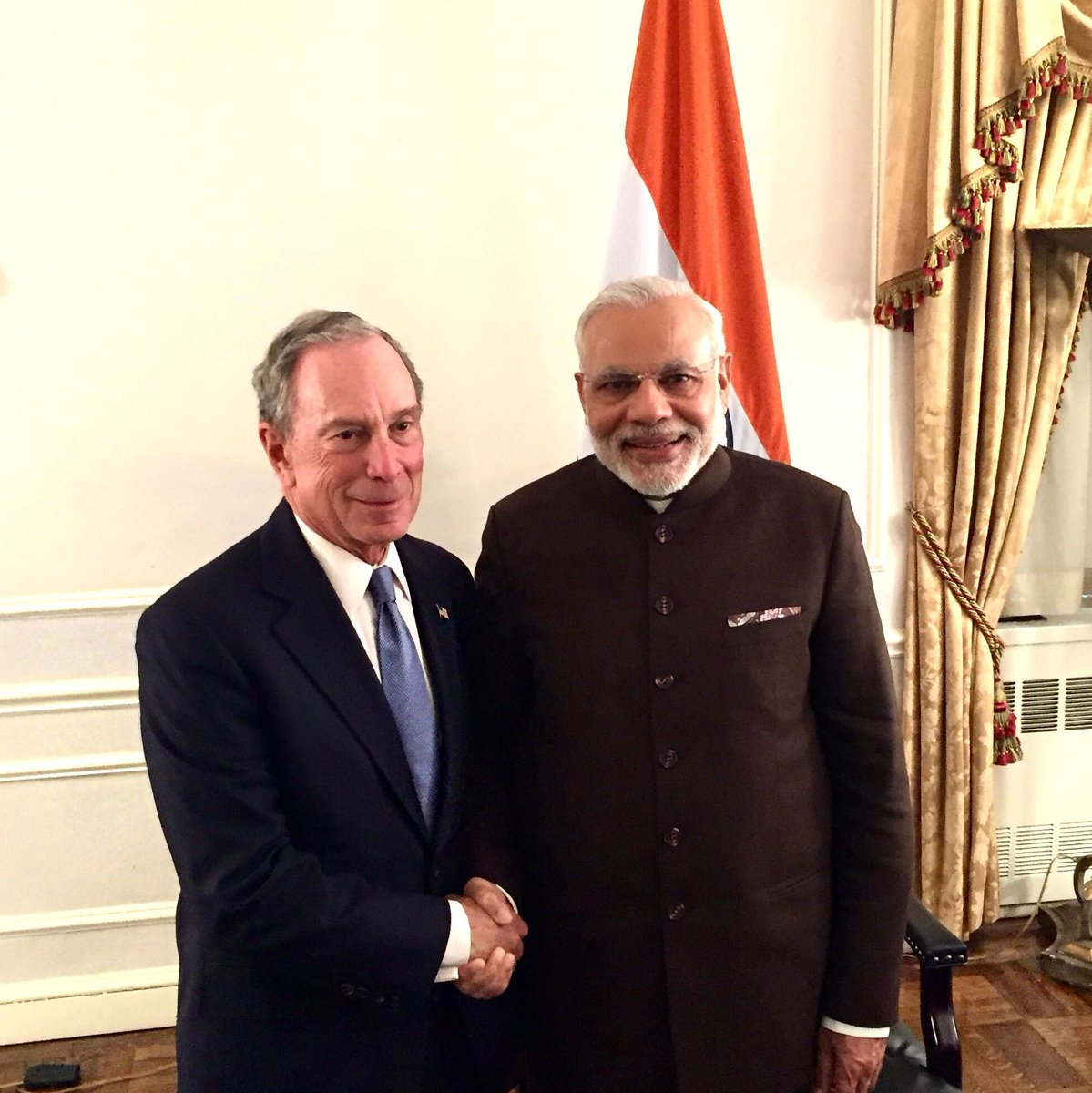 .@NarendraModi's leadership is changing India—and the world. Glad to see him in #NYC today #climate #cities http://t.co/1ibERS9tAe