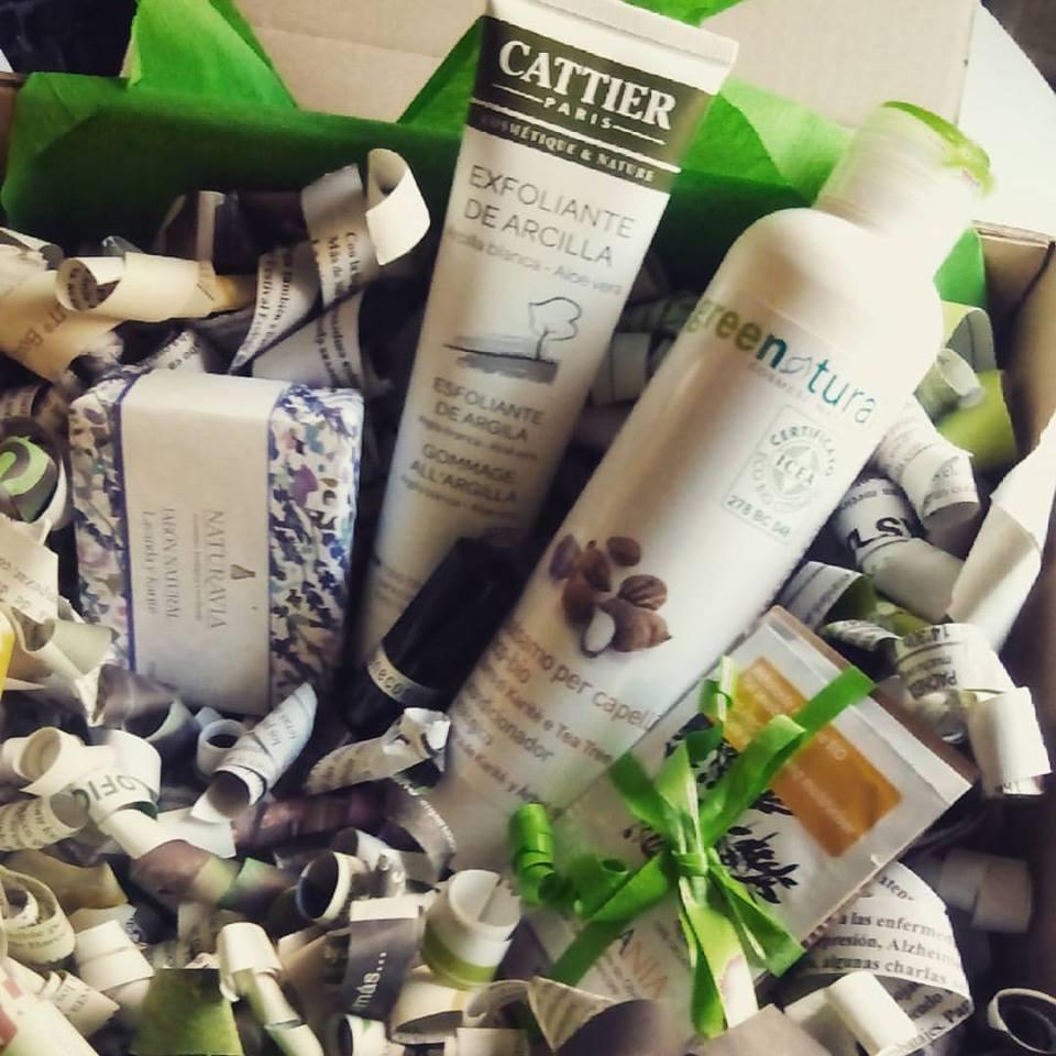 Descubrenos en medusseando : http://t.co/FgJveXJBFj  #bamboobiocosmetica  #ecobeauty @CattierParisNL @naturavia_ http://t.co/MUYSobVoTq