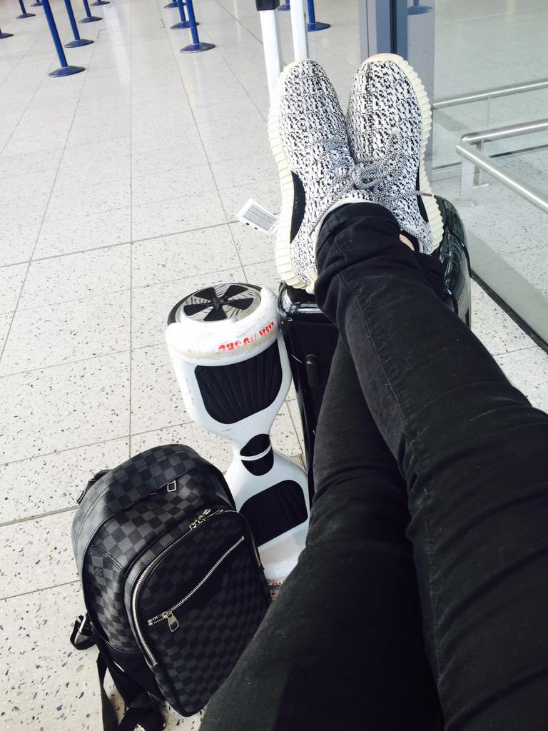 Waiting around airport is the story of my life ✈️😝 http://t.co/PDQK3bPEyM