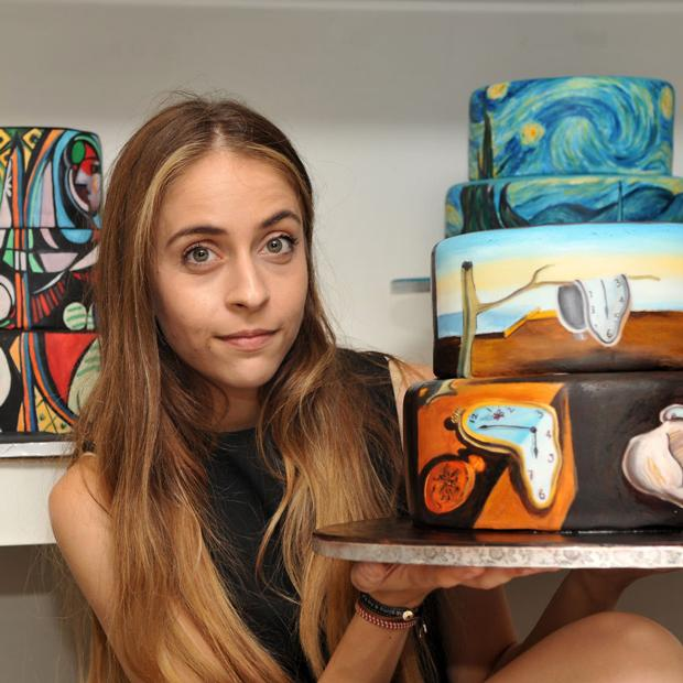This artist paints famous paintings on cakes! http://t.co/EwxrRiv3zV @ma_aris #decoratedcakes #art #desserts #cakes http://t.co/Sof2iICP3S
