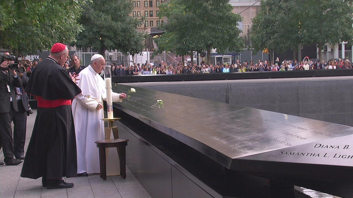 WATCH NOW: Pope Francis at Ground Zero   #PopeinNYC http://t.co/Vgoh25VkzW http://t.co/EOp61POXr5
