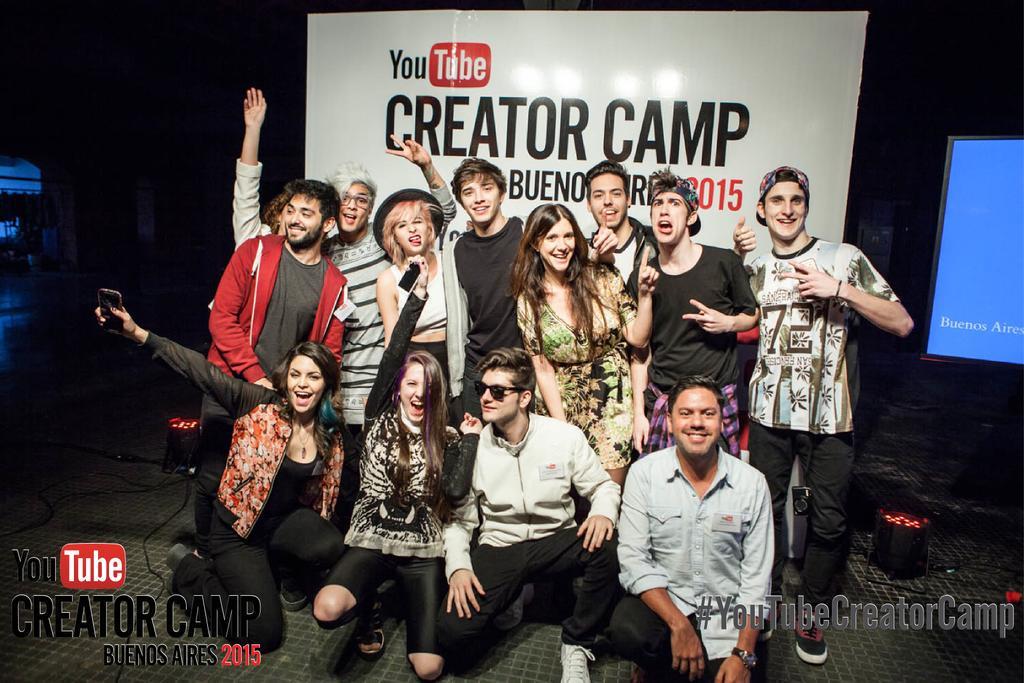 Algunos de los creadores presentes en el #YouTubeCreatorCamp junto a nuestros equipos de @googleespanol http://t.co/pZkp8SPkG7