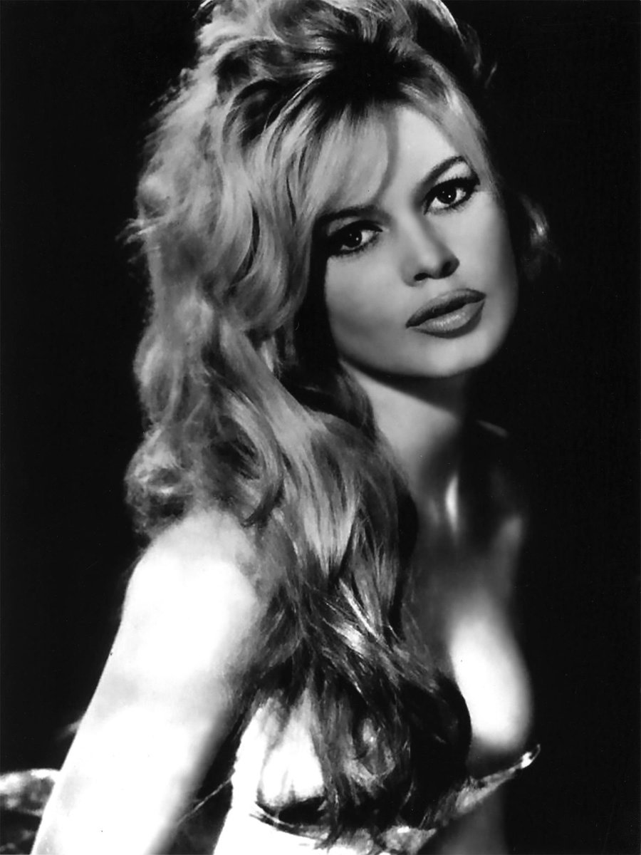 """VintagePhotos on Twitter: """"September 28, 1934 - Brigitte Bardot a French  former actress and fashion model is born in Paris http://t.co/fx2MEOsmCO"""""""