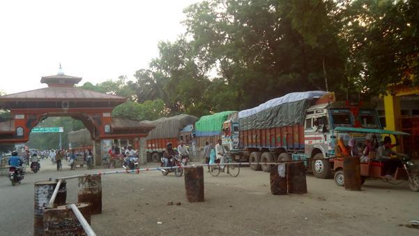 भारतद्वारा अघोषित नाकाबन्दी,  नेपाल सीमाका सबै नाका ठप्प
