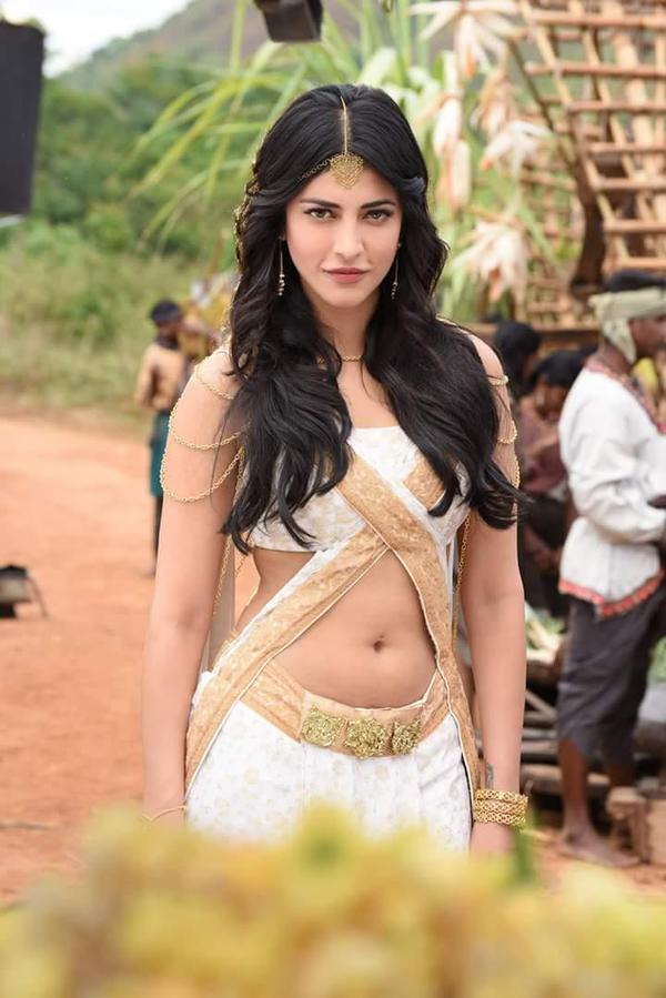 Hot Hansika and Shruti Haasan Latest Puli HD photos. - Southie