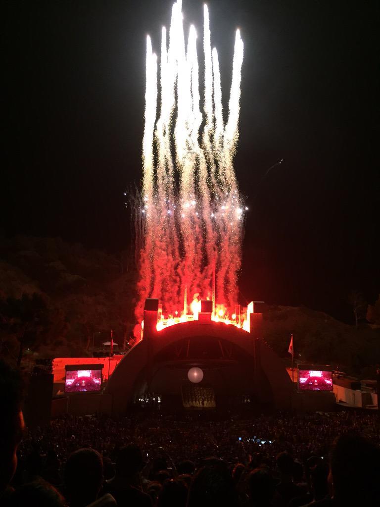 When DONDA does fireworks, they do fireworks right. #808sandheartbreak http://t.co/7wywVz4IzW