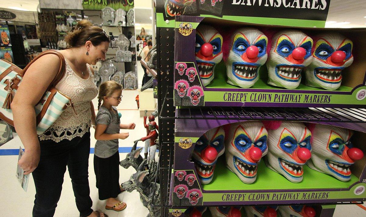 "jim tiller on twitter: ""#halloween people shop for halloween"