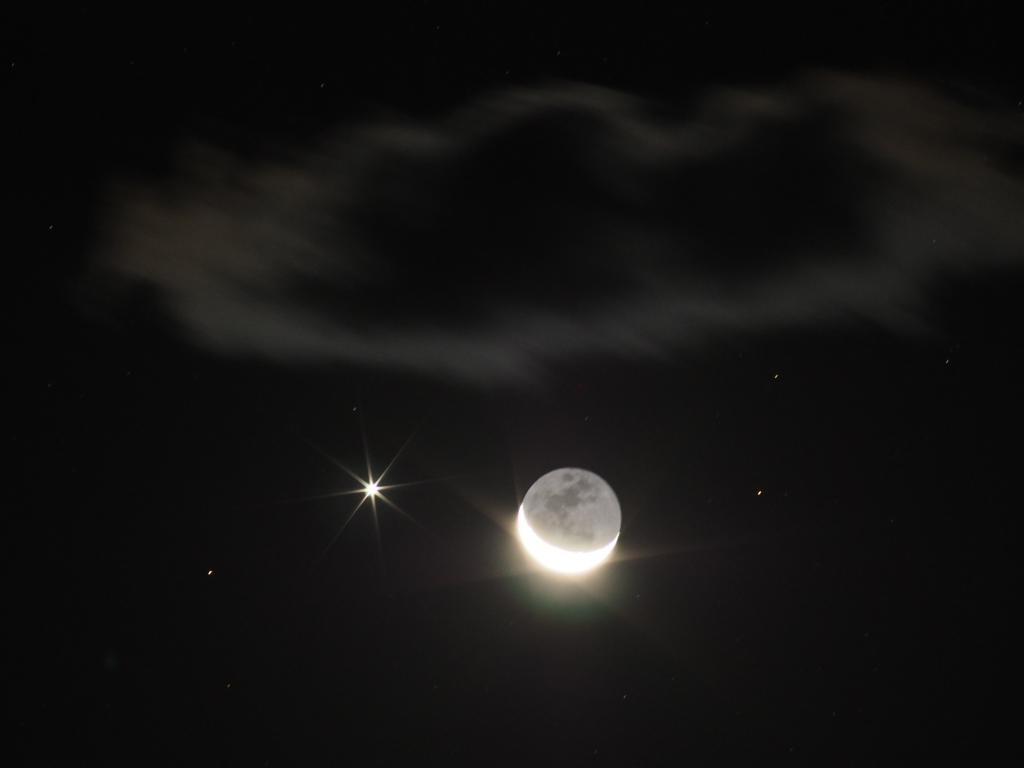 暁の惑星ショー(月と金星+レグレス&火星・木星。10日は月と木星が接近)