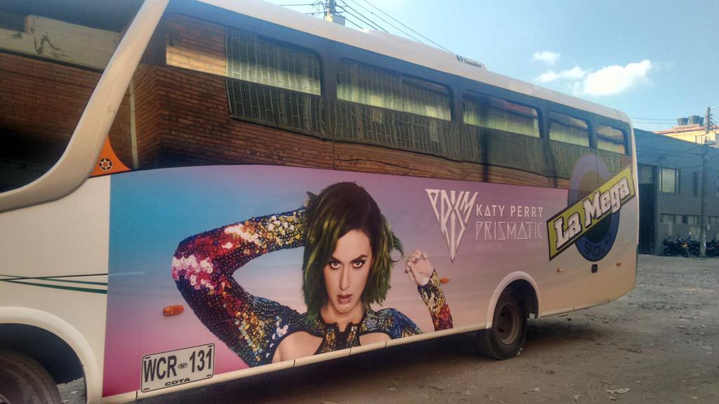 Katy Perry >> The Prismatic World Tour - Página 9 CQ1FtvPWoAEpJp-