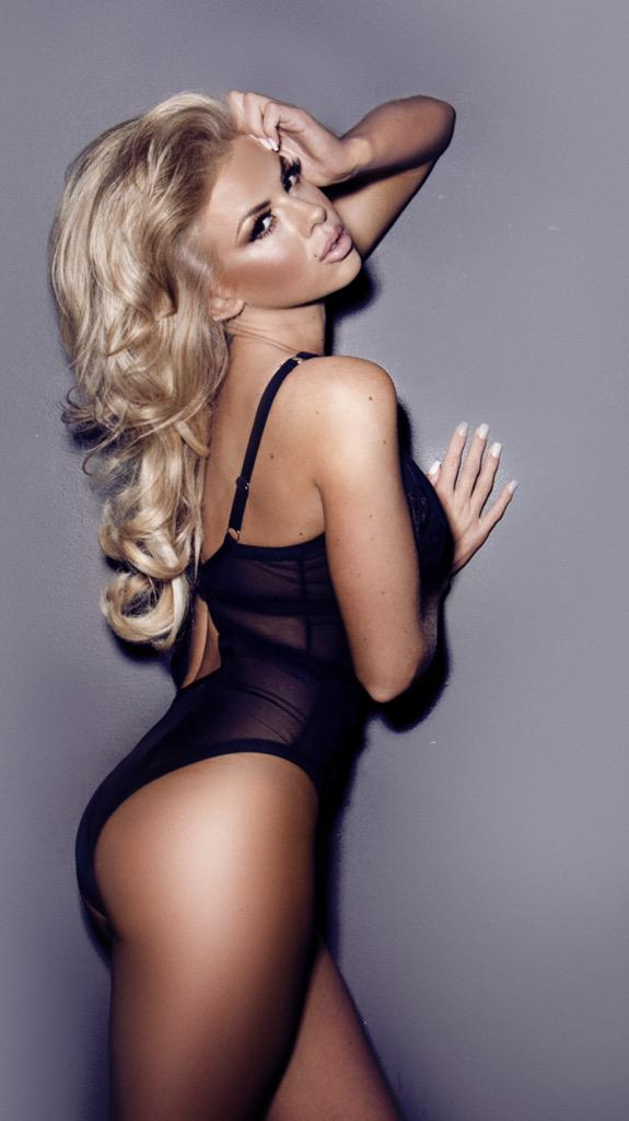 RT @AK_SIMPLYPOUT: Availability October nov 📷📷📷. Dm:email to enquire ❤️ #photoshoot #portfolio #model #lingerie @misshannahelizx http://t.c…
